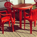 Narva: The red chairs