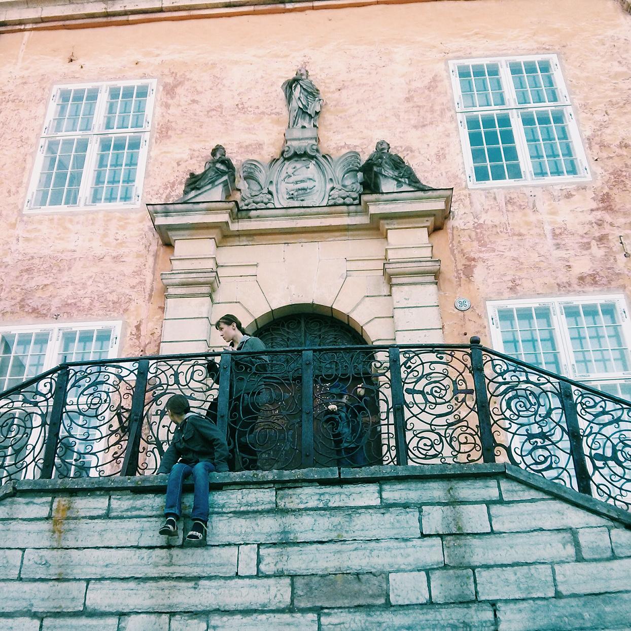 Narva: Restoration